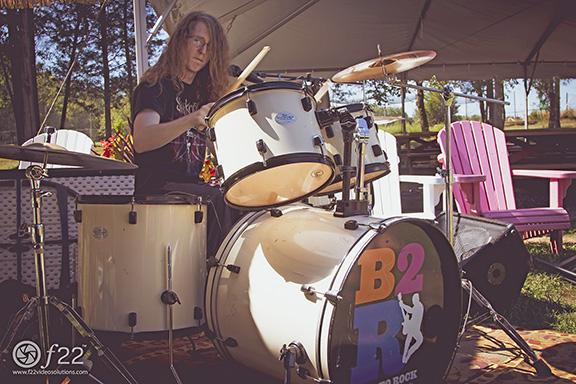 6.-B2R_drummer